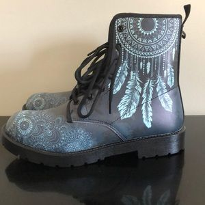1345c459db09 Shoes - Yes We Vibe dream catcher combat boots